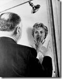 Alfred-Hitchcock-y-Janet-Leight-en-el-rodaje-de-Psicosis